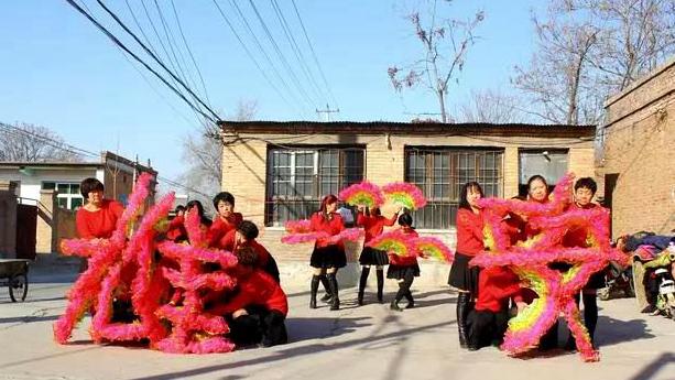 雄安新区年味浓 小王营村编排舞蹈送祝福