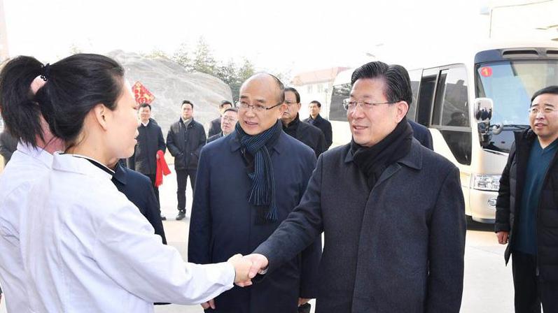 【视频】王东峰在雄安新区走访慰问基层干部群众