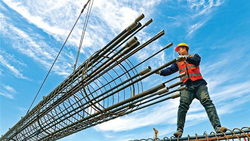追梦在雄安——京雄城际铁路雄安站建设工地掠影