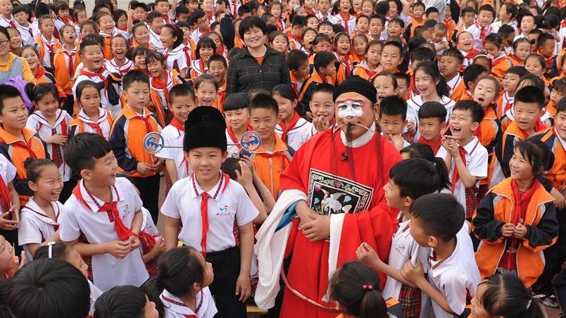 河北沧州:戏曲文化进校园