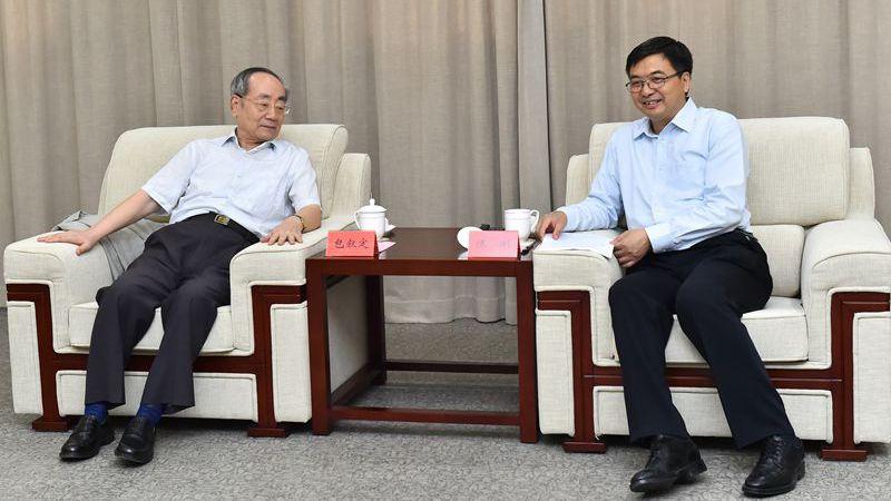 中国城市轨道交通协会创始会长包叙定一行到雄安新区考察
