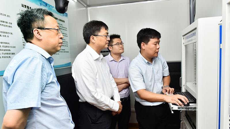 陈刚到容城县和雄安新区生态环境局进行调研