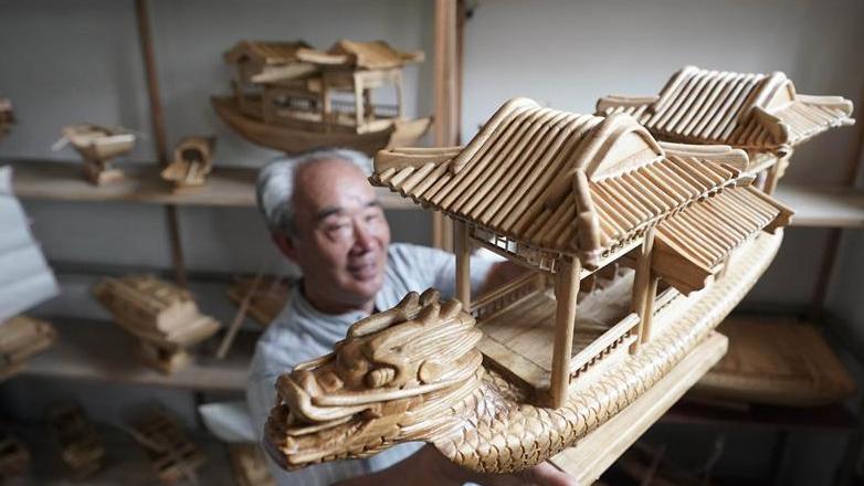 雄安农民用手工木船打造白洋淀记忆