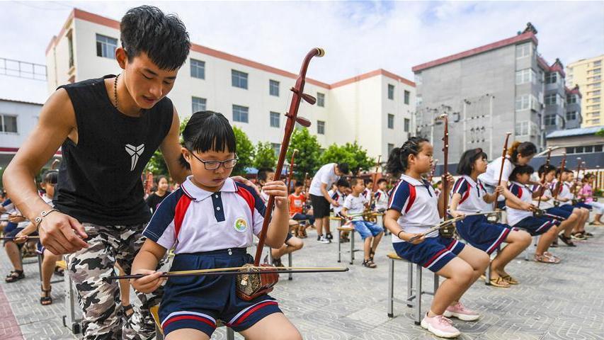 """河北饶阳:暑期开展""""民族乐器进校园""""活动"""