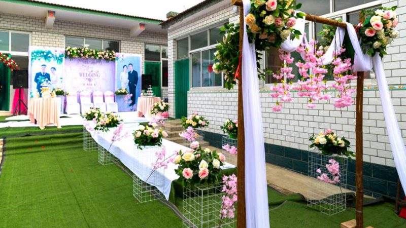 记住今天,明天会更好——搬迁前夕,张马浒村迎来了一场特别的婚礼