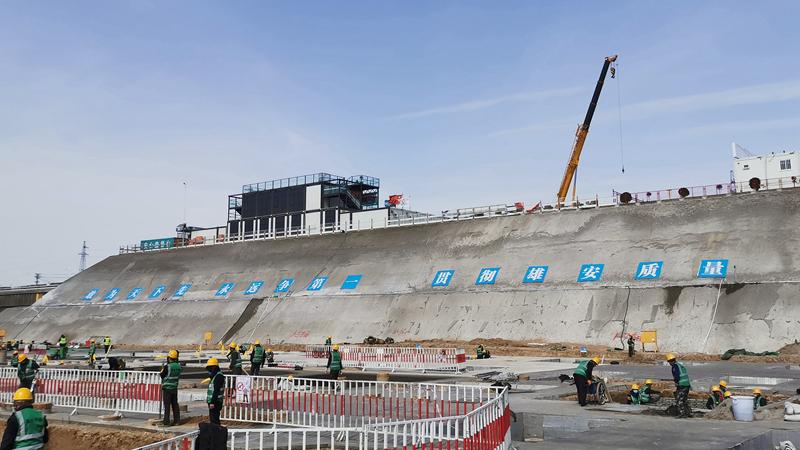 桩基施工已完成 探访雄安商务服务中心项目建设现场