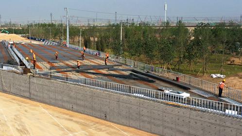 容易线(新区段)公路一期主线道路路面工程基本完工