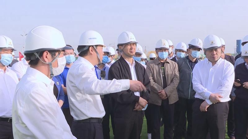 视频丨田金昌到容东片区安置房项目建设现场调研