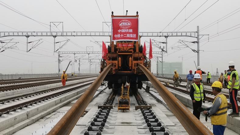 京雄城际铁路(河北段)全线铺轨完成