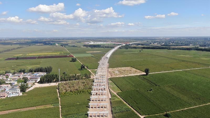 看建雄安丨京雄高速SG5标段完成兰沟洼特大桥盖梁施工