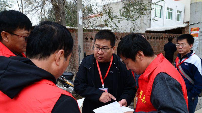 """雄县教育局征迁服务、学生安置两手抓 争做征迁群众""""贴心人"""""""