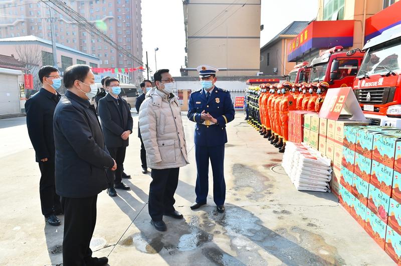 张国华走访慰问新区一线建设者并调研检查政法工作