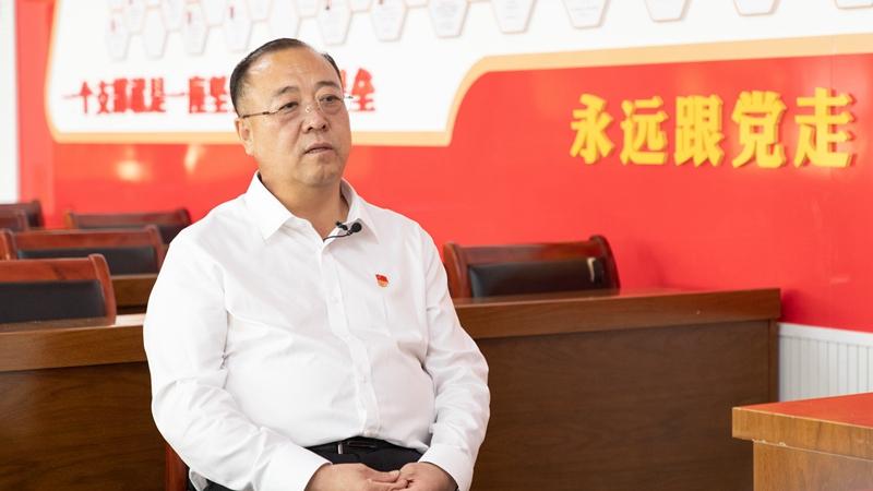 """全国优秀共产党员郝艳斌:为民担当 做好乡村振兴""""领头羊"""""""