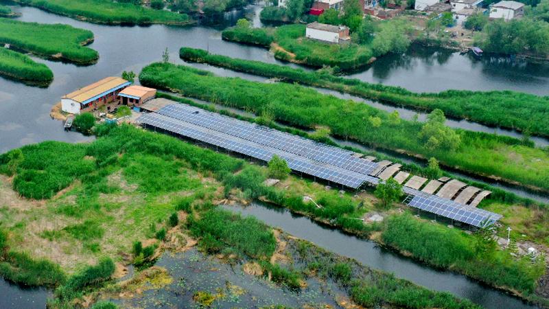 王家寨应用新型绿电系统 打造低碳节能示范村
