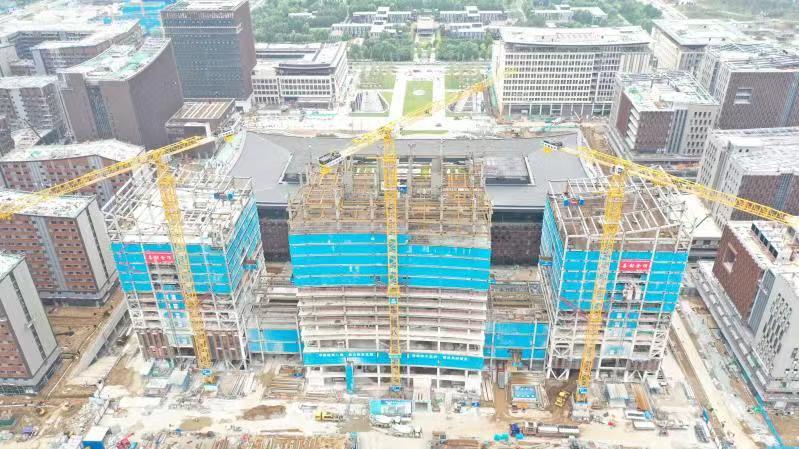 雄安商务服务中心五星级酒店两座楼栋封顶