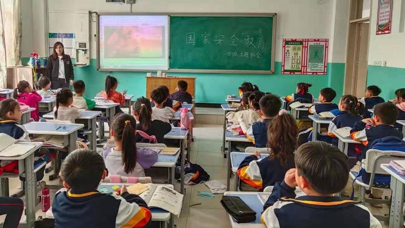 我和雄安的故事第64期丨容城县上坡小学马丽娜:传承教育情怀,坚守三尺讲台
