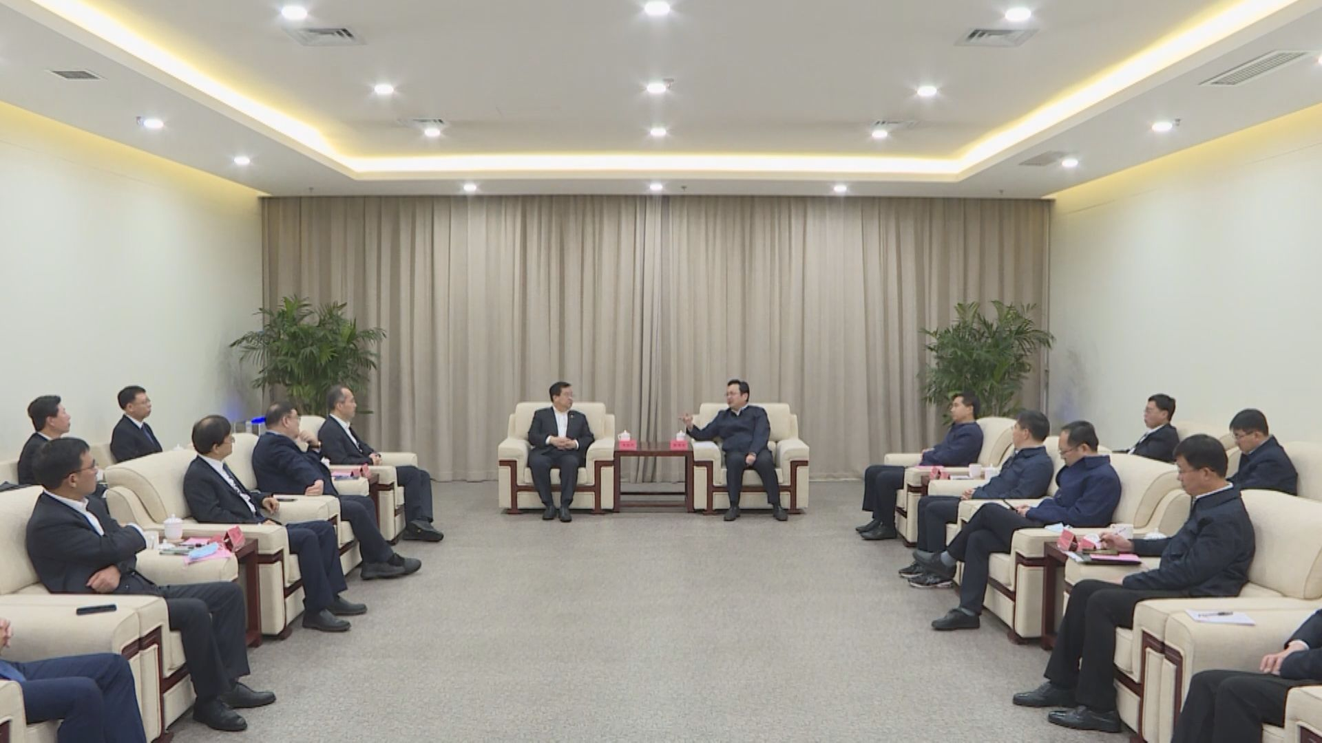 张国华调研中国电信智慧城市产业园项目并与中国电信总经理李正茂一行举行座谈