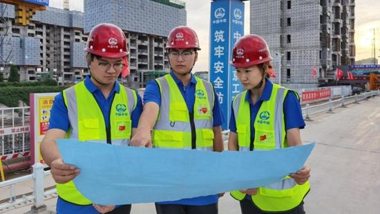 图集丨国庆我在岗!雄安建设者用实际行动向祖国生日献礼
