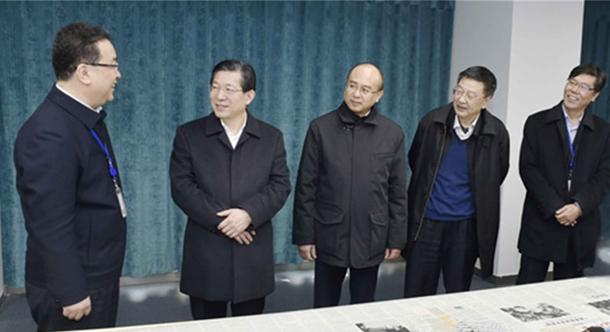 王东峰到中央驻冀和省直新闻单位调研