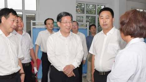 王东峰:全力推进扫黑除恶专项斗争向纵深发展