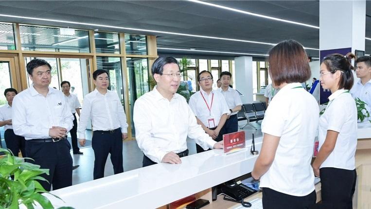 王东峰:扎实做好雄安新区群众生产生活保障工作