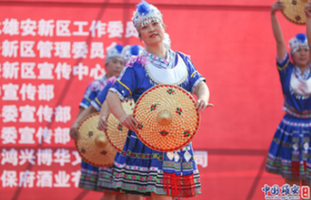 People take part in square dance competition in Xiongan New Area
